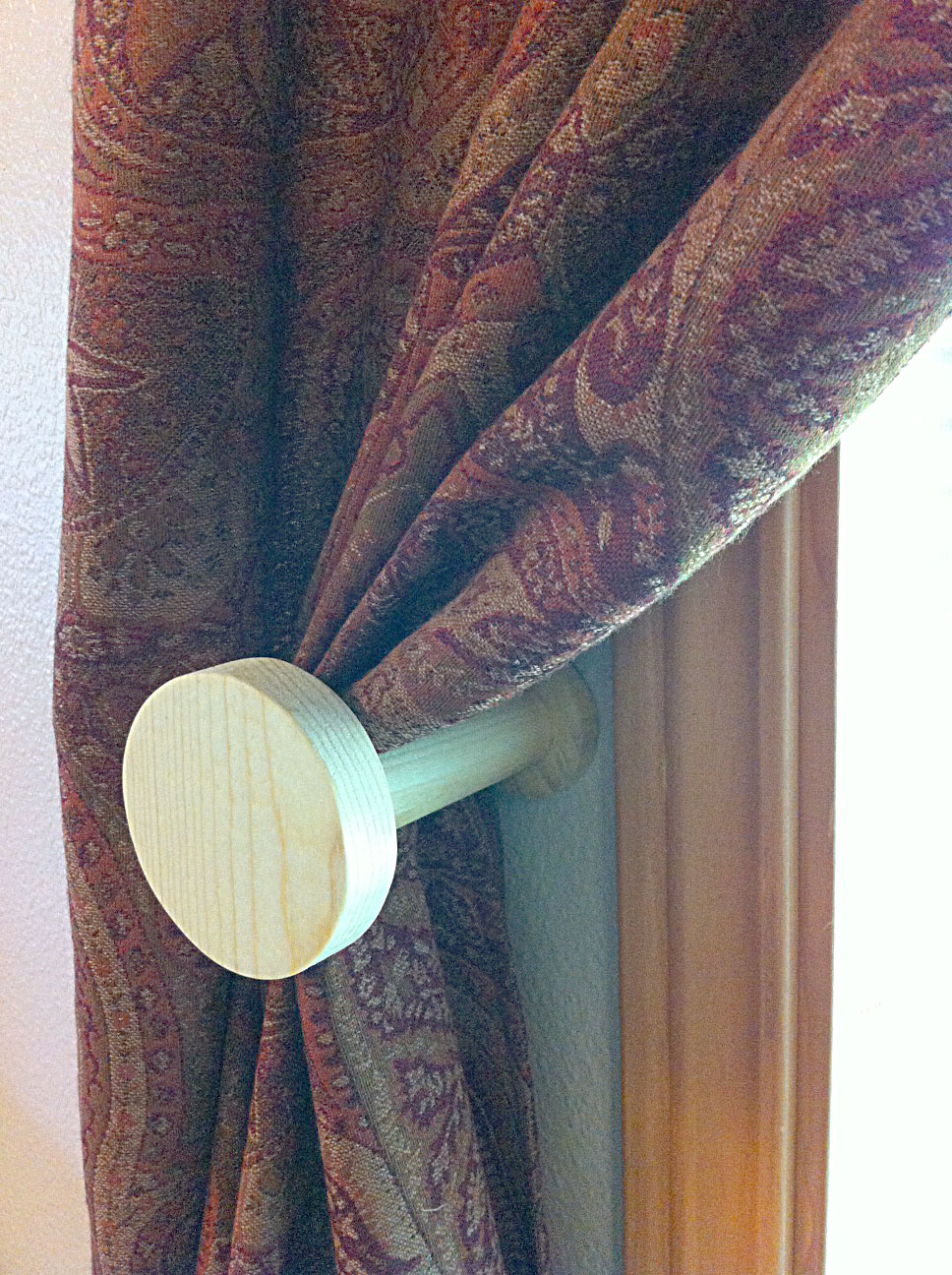 Circle Sports Ball Shape Curtain Holdback Tieback With Detachable Wood Face Plate