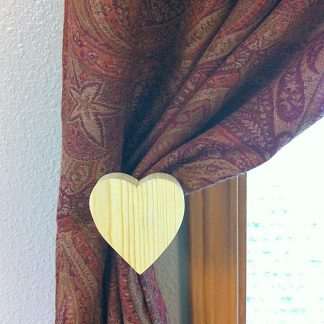 ActionCraftworks.com heart curtain holdback curtain front